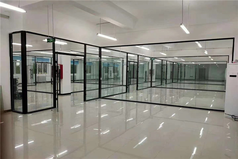BTG high quality 10mm 12mm clear tempered glass China manufacturer
