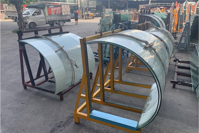 curved-tempered-glass-(2).jpg