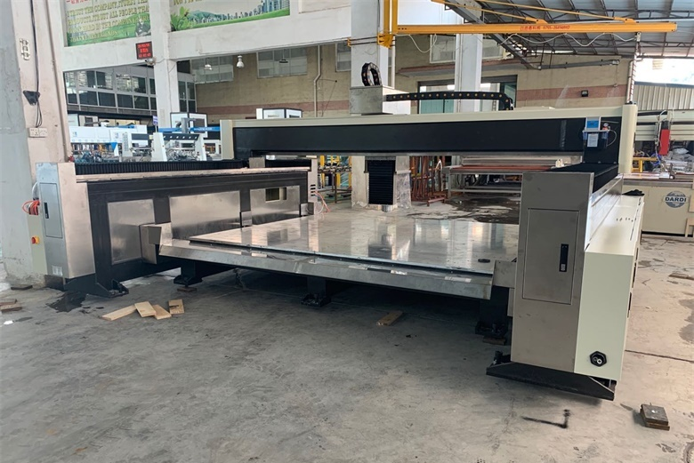 A new CNC glass processing equipment arrive BTG glass factory